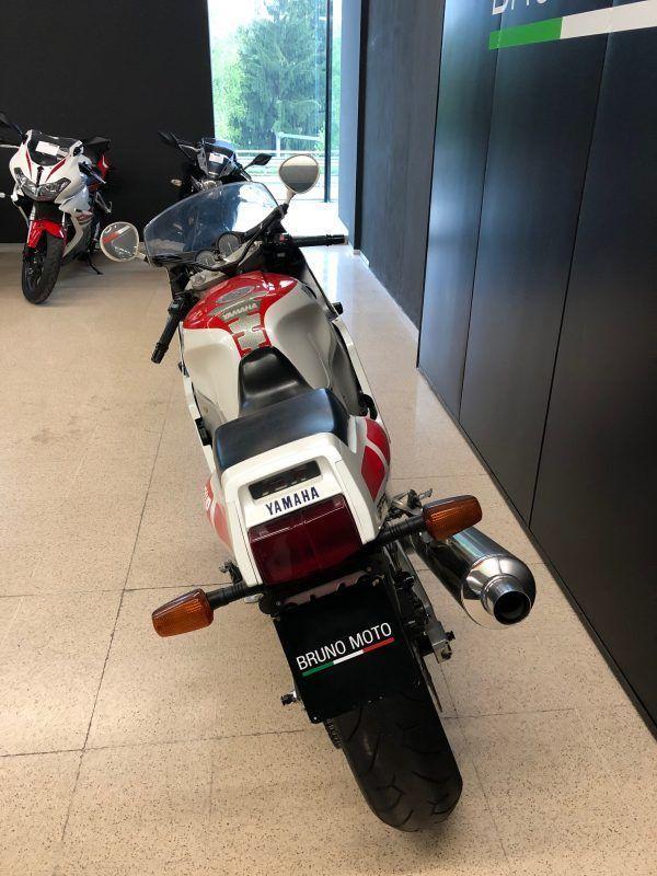 https://brunomoto.it/wp-content/uploads/2021/09/Yamaha-FZR-1000-–-1989-Bruno-Moto-3-scaled-1.jpeg